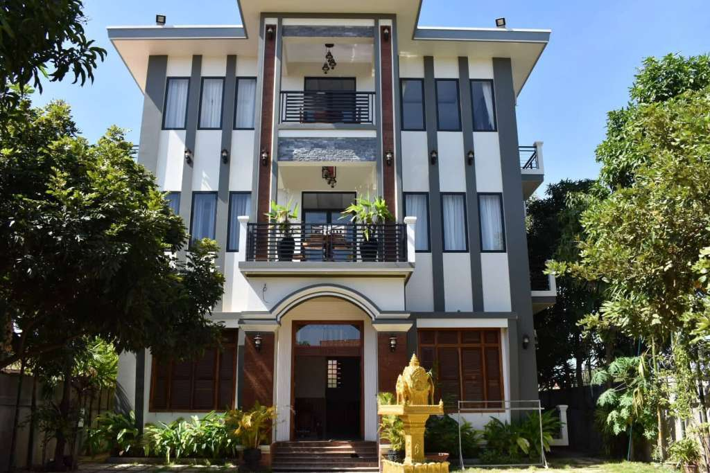 New build ultra modern 10 room building for rent in Siem Reap Angko