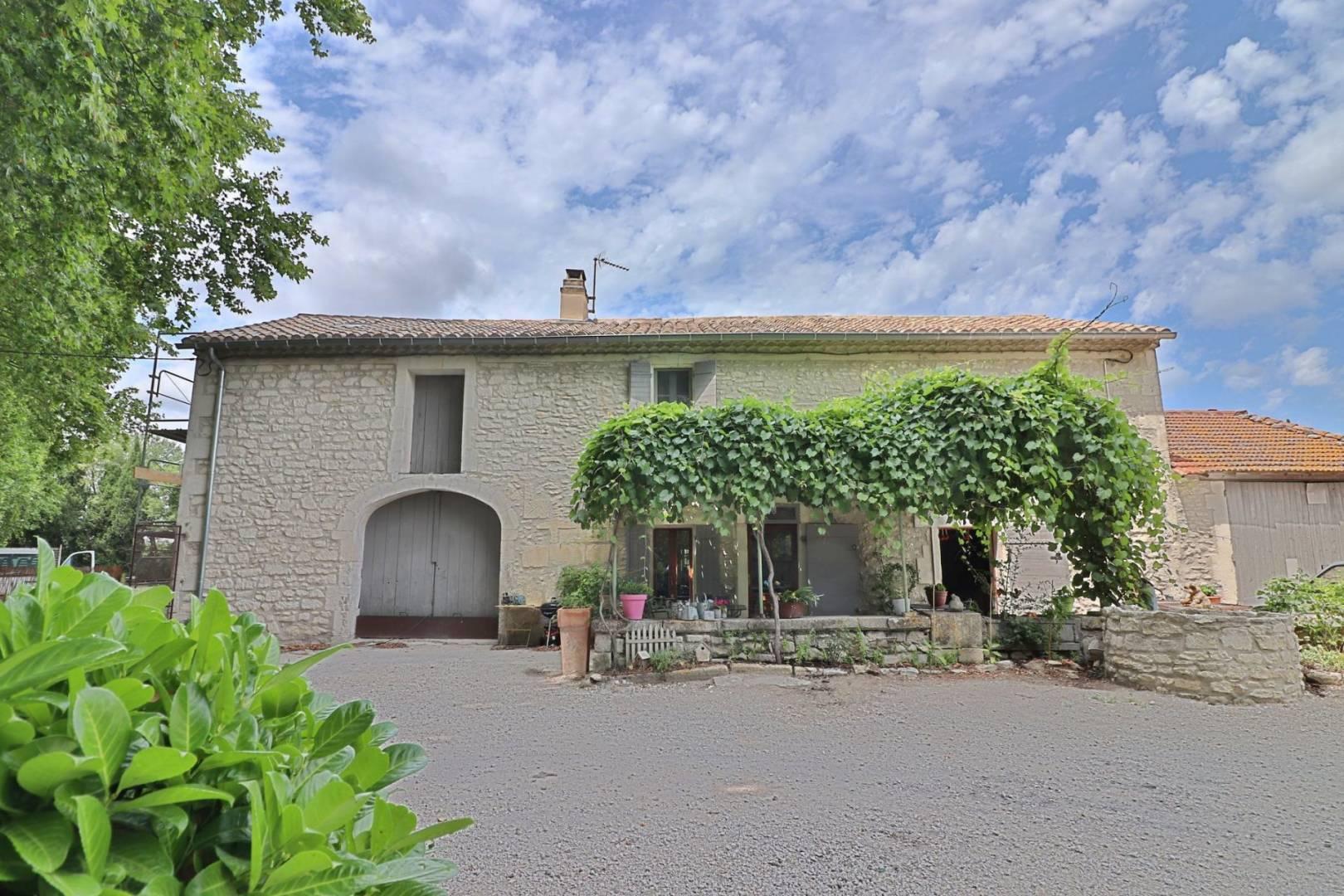 1 30 Saint-Rémy-de-Provence