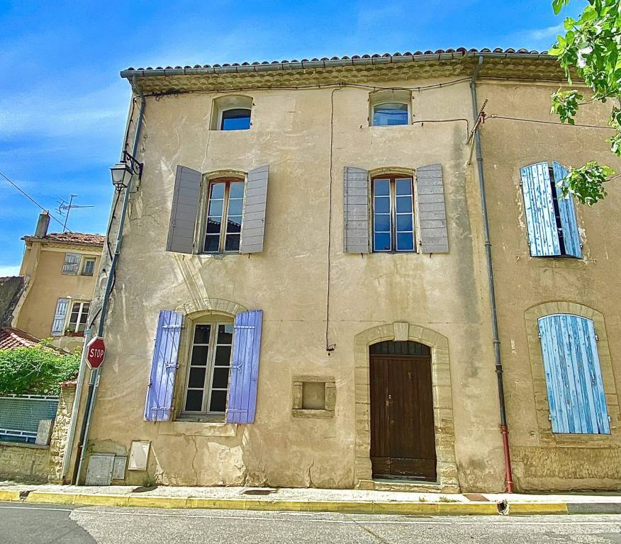 Nice village HOUSE with small courtyard around 140 m² (1.500 sq ft)