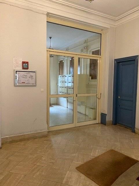 STUDIO 19m² - BOULEVARD VOLTAIRE