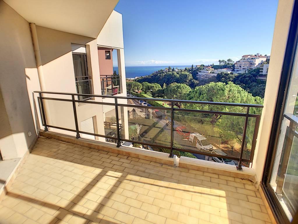 Nice-Ouest, 3 pièces 65 m², terrasse, vue mer, garage