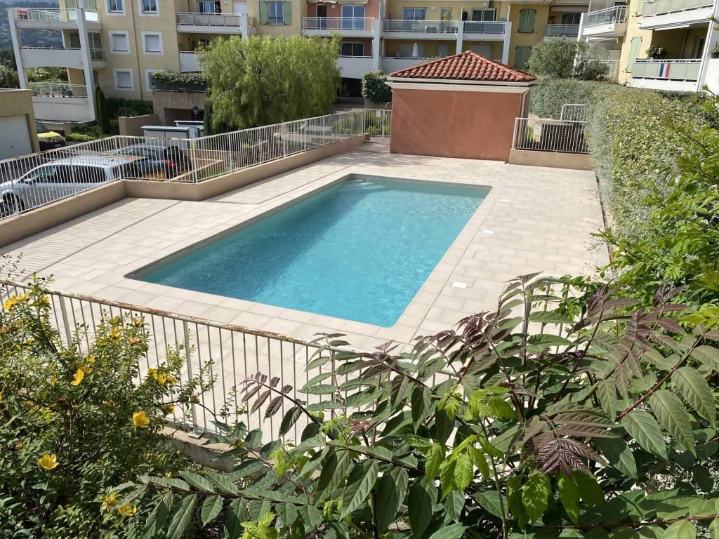 Nice, Sainte Marguerite, 3 pièces 63 m², dernier étage, garage