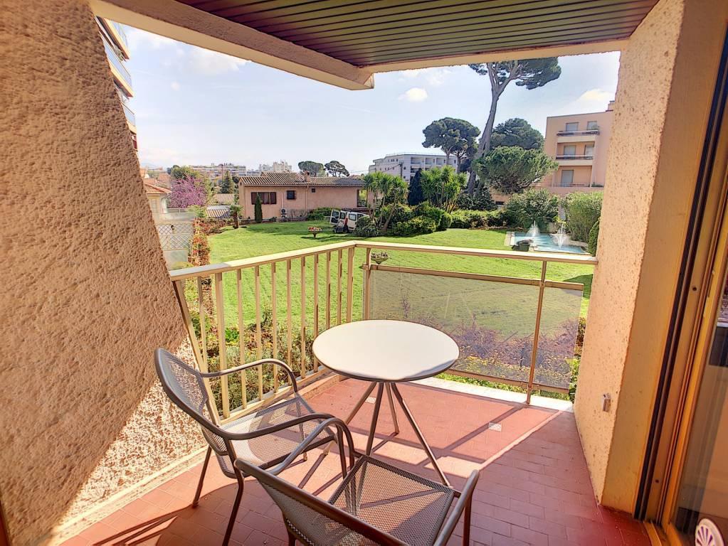 Cagnes sur Mer, La Pinède, F1 33 m², terrasse et parking privé