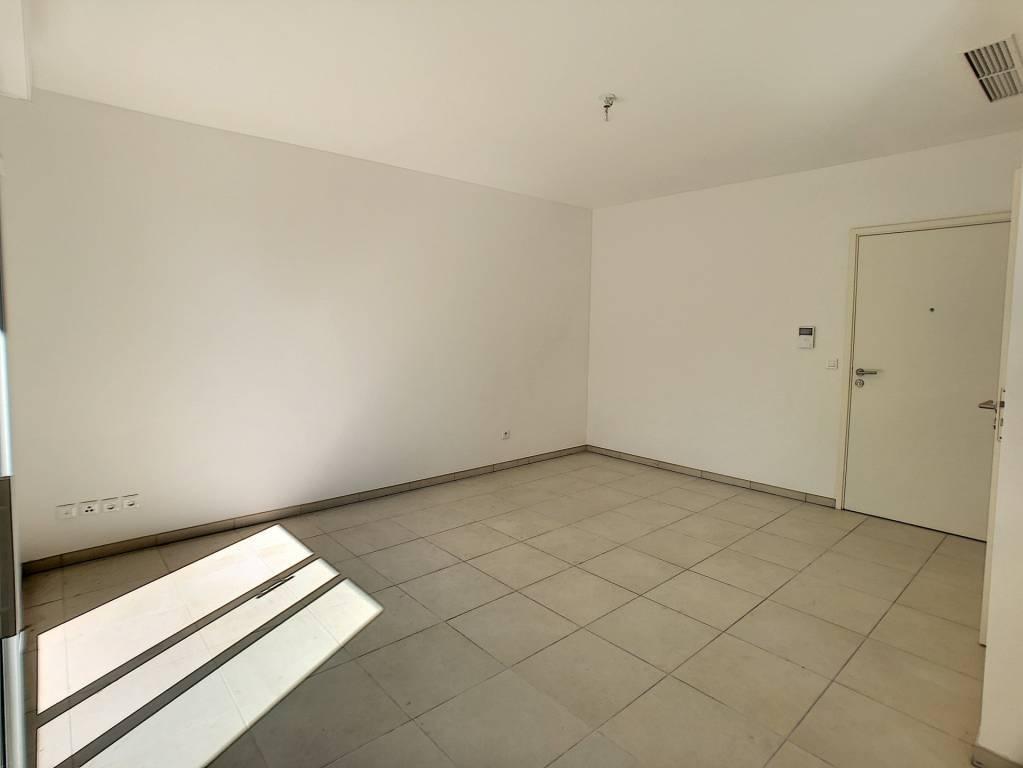 Cagnes sur Mer, centre-ville,  studio 30 m², en rez de chaussée