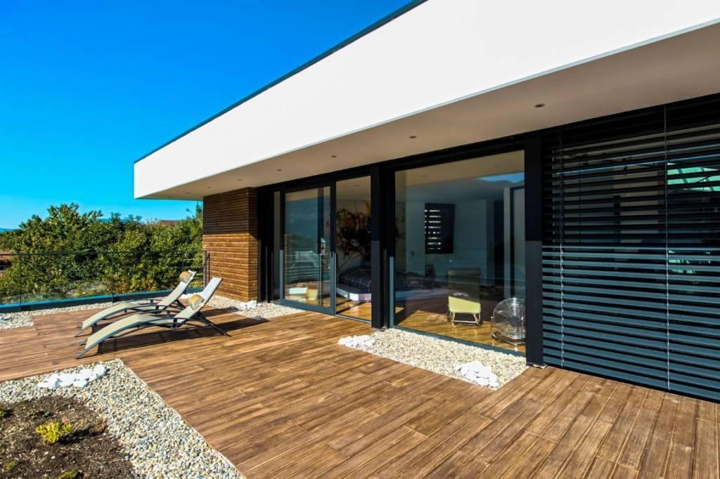 Superbe villa d'architecte  à Brison-Saint-Innocent