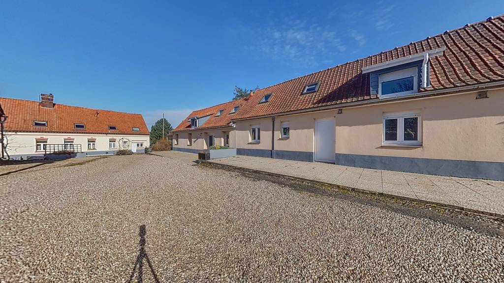 GITES 4 maisons 570 m2