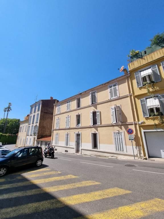 Sale Building Cannes