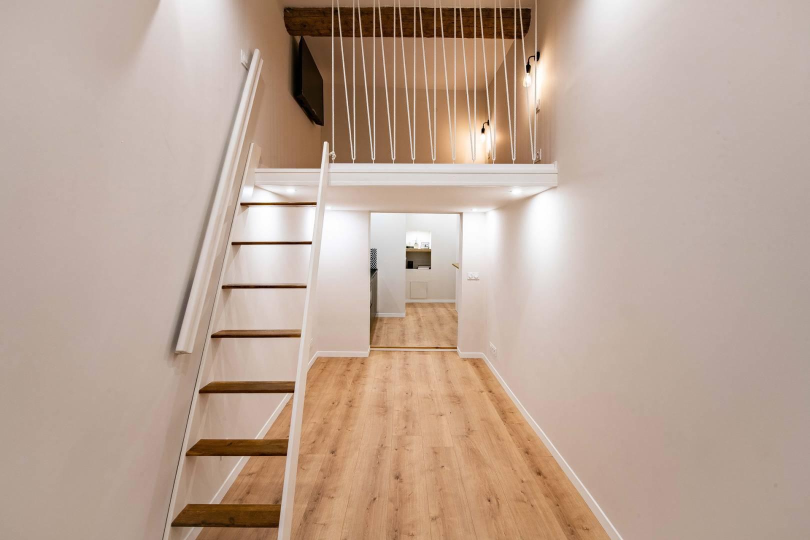 Escalier Hauteur sous plafond Parquet