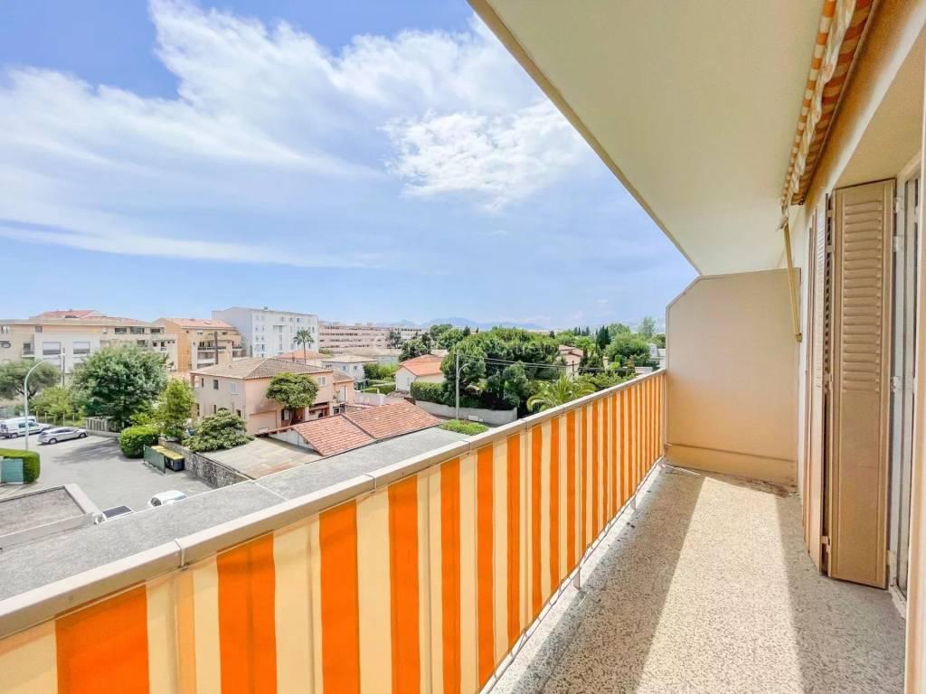 Sale Apartment Cannes-la-Bocca