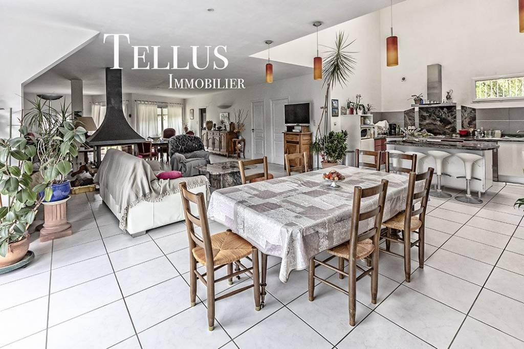 Carmaux - Maison 360 m2 avec pièce de vie de 102 m2