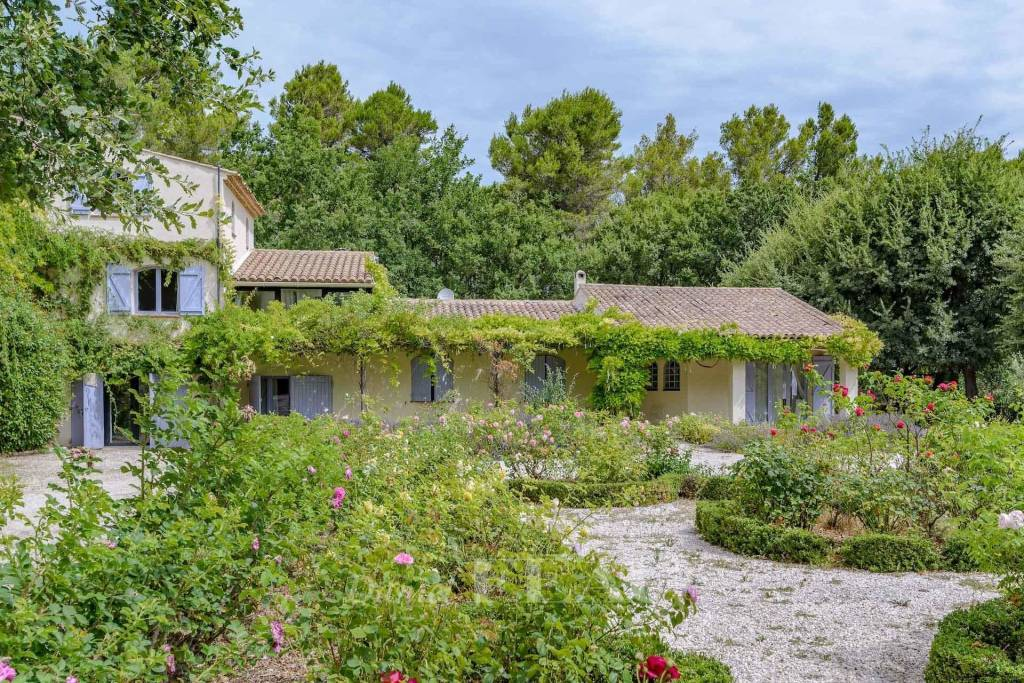 Aix en Provence countryside – A charming property