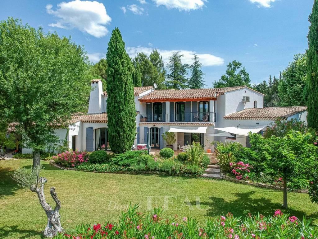 Aix en Provence – A charming property