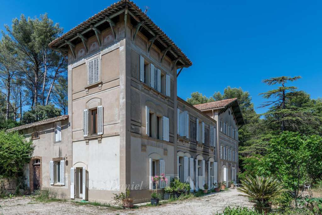 Aubagne – A 19th century property in a delightful environment
