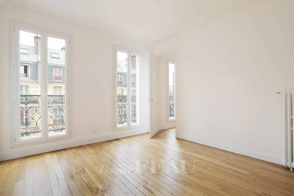 Paris 5th District – A 2-room apartment in a prime location