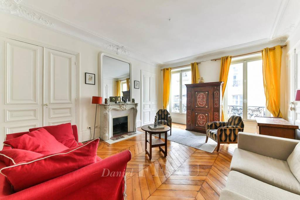 Paris 9th District – A furnished two-room apartment