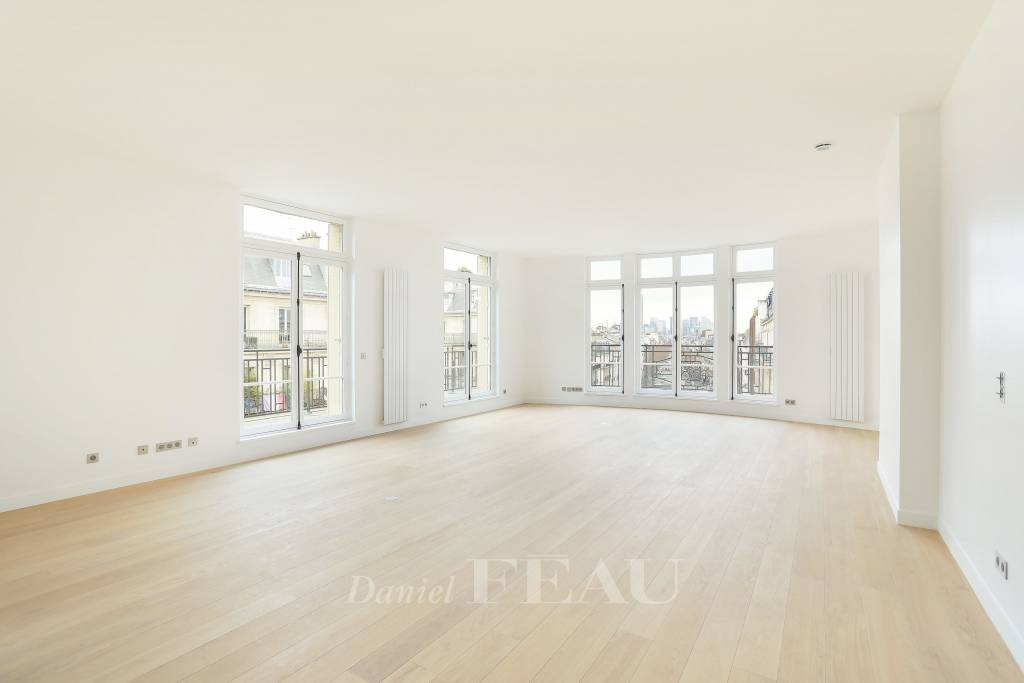 Paris 8th District – A 173 sqm three-bed apartment.