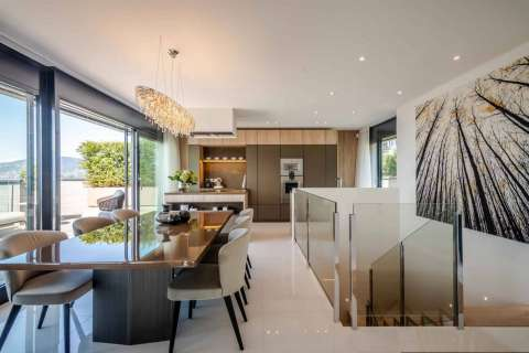 Dining room Kitchen bar Wood floors