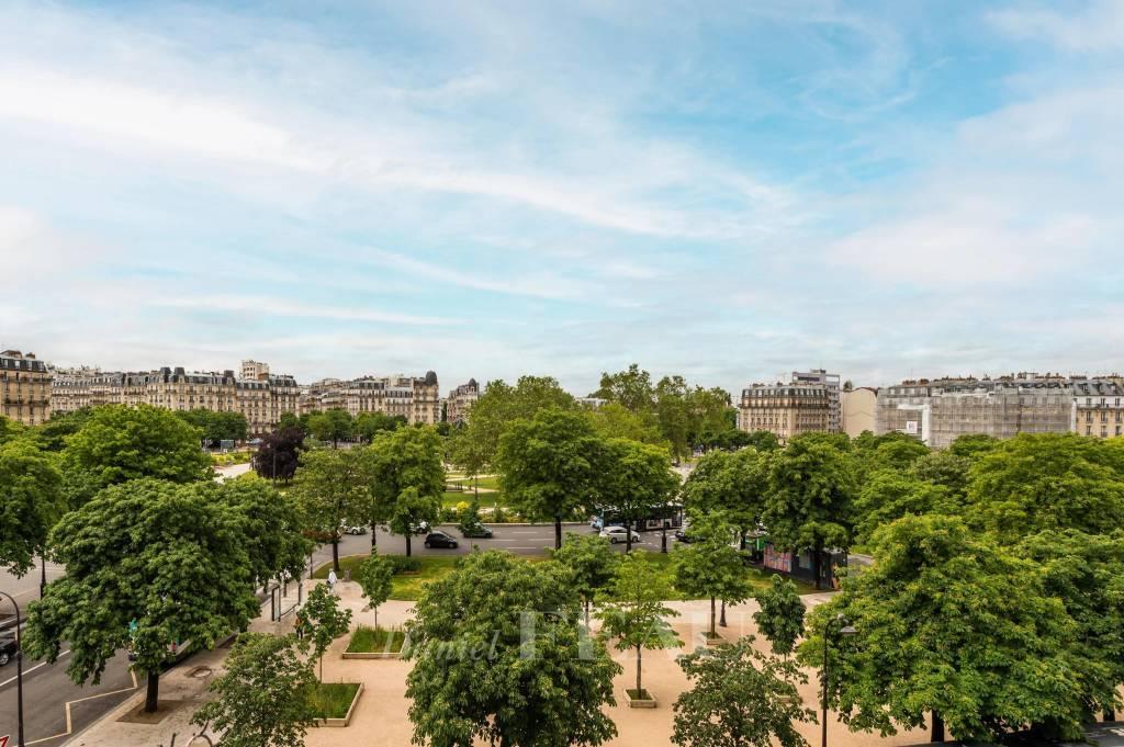 Paris 11th District – An elegant 3-bed apartment