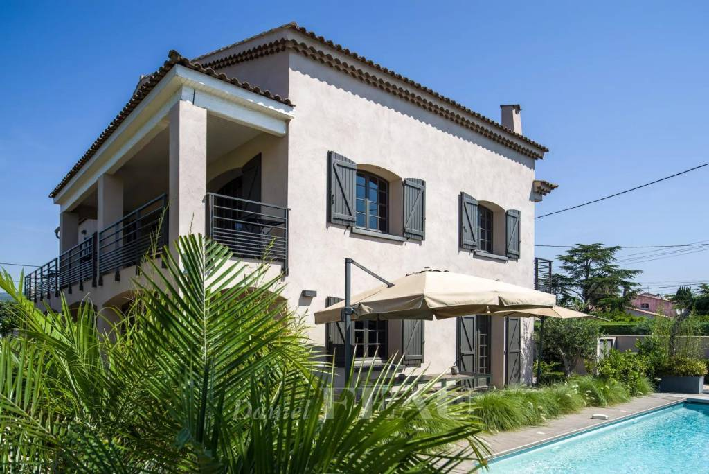 Saint-Cyr-sur-Mer  -  A delightful 6-bed property