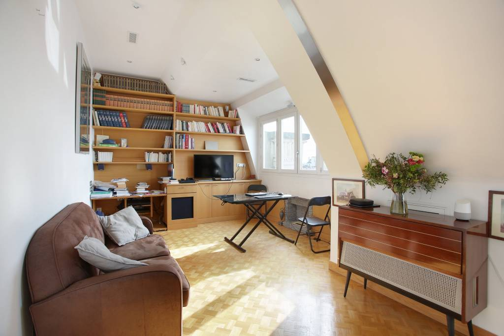 Paris 3rd District – A 2-room apartment rented furnished