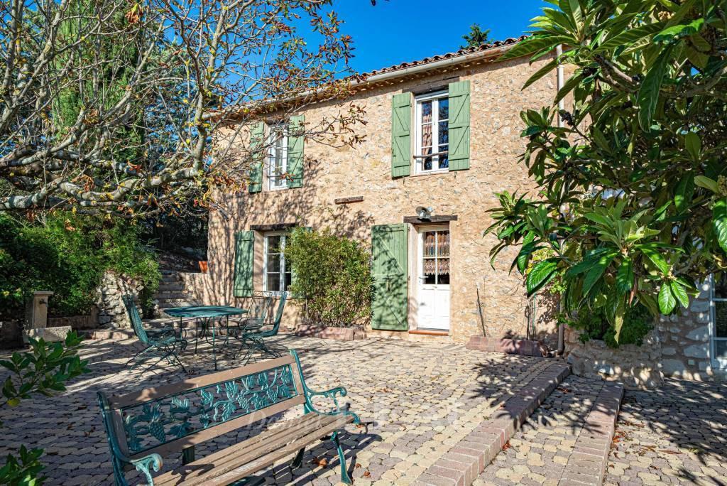 Near Cotignac – A charming property