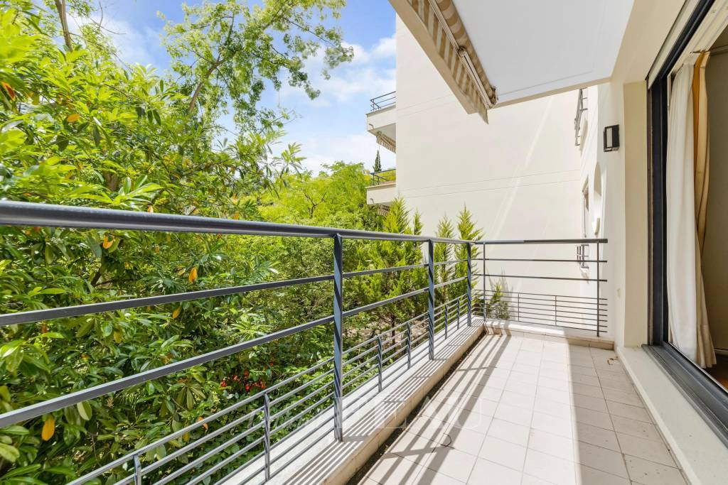 Boulogne Nord - Eglise - Appartement au calme avec balcon.