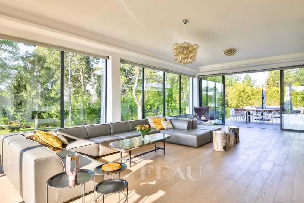 Rueil-Malmaison  -  A superb contemporary property