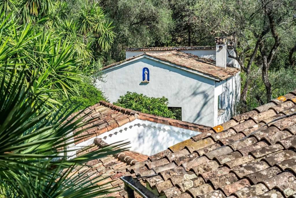 "Menton – ""La Citronneraie"", an exceptional estate set in 2 hectares"