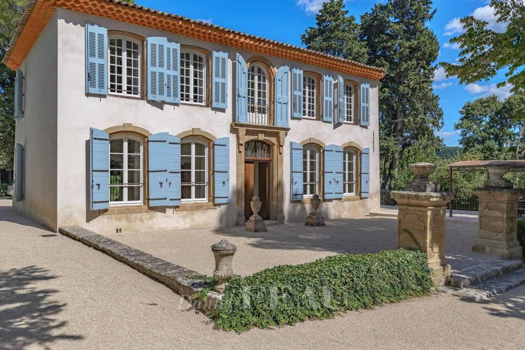 Aix en Provence – An 18th century property