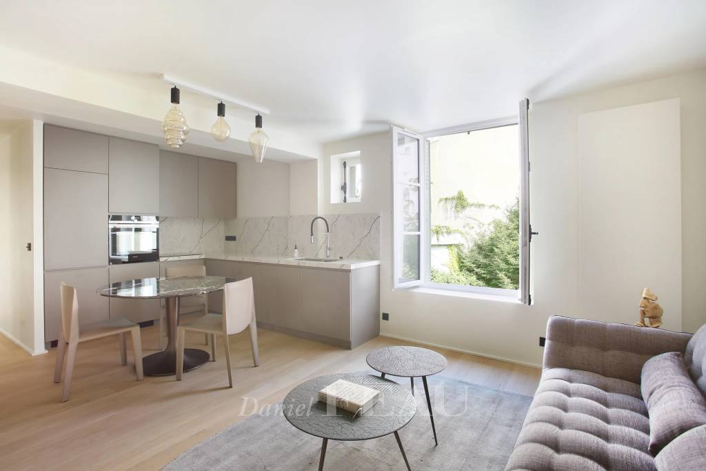 Paris 6th District – a charming and bright apartment