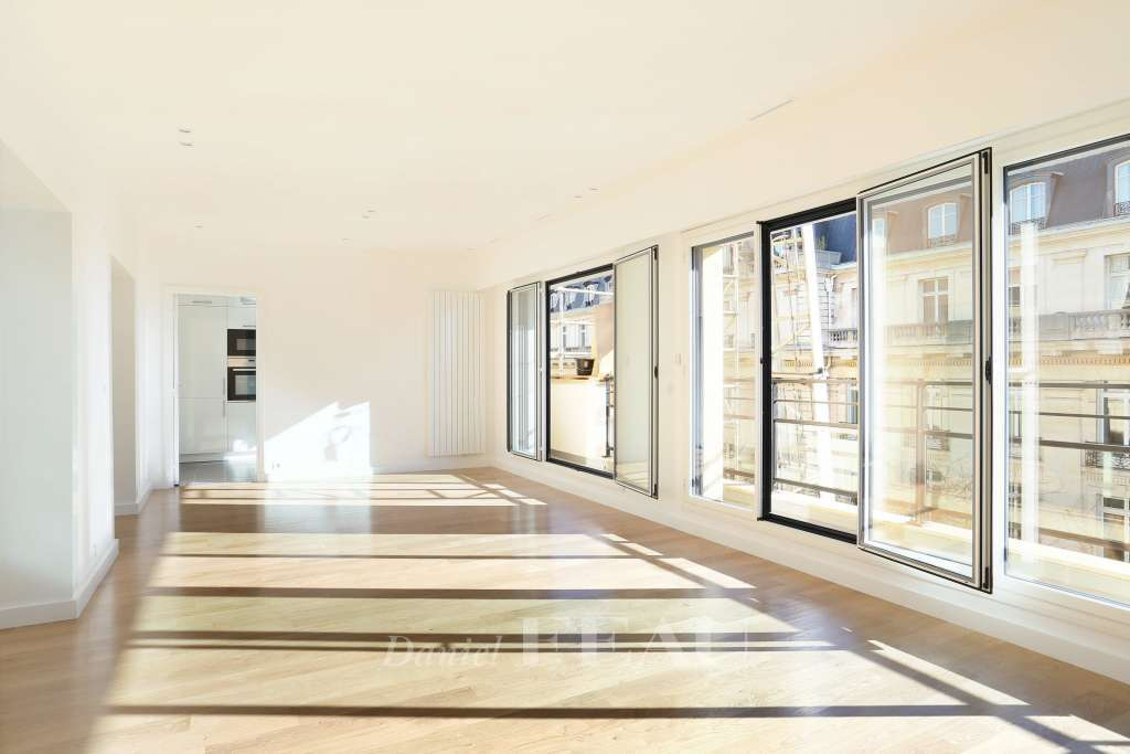 Paris 16th District – An entirely renovated 2-bed apartment.
