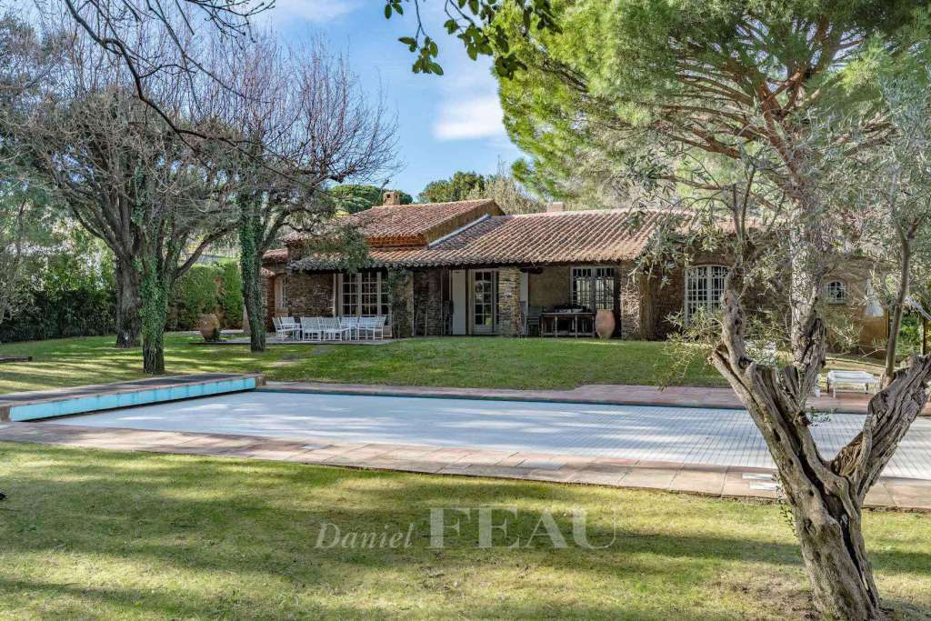 Grimaud – A charming property