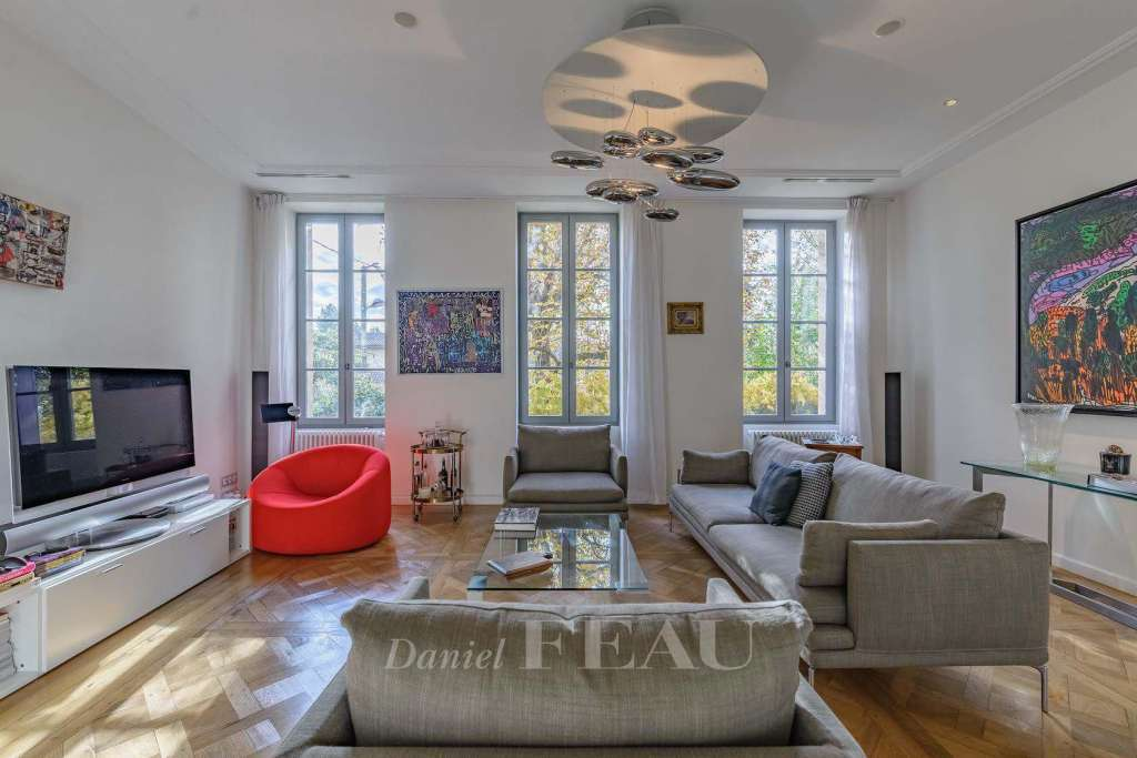 Aix-en-Provence – A private mansion with a garden