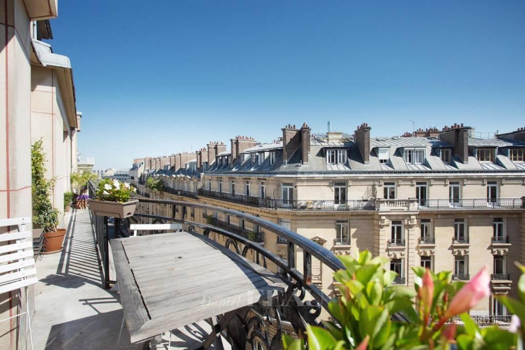 Paris VIIIe - Hoche - parc Monceau.