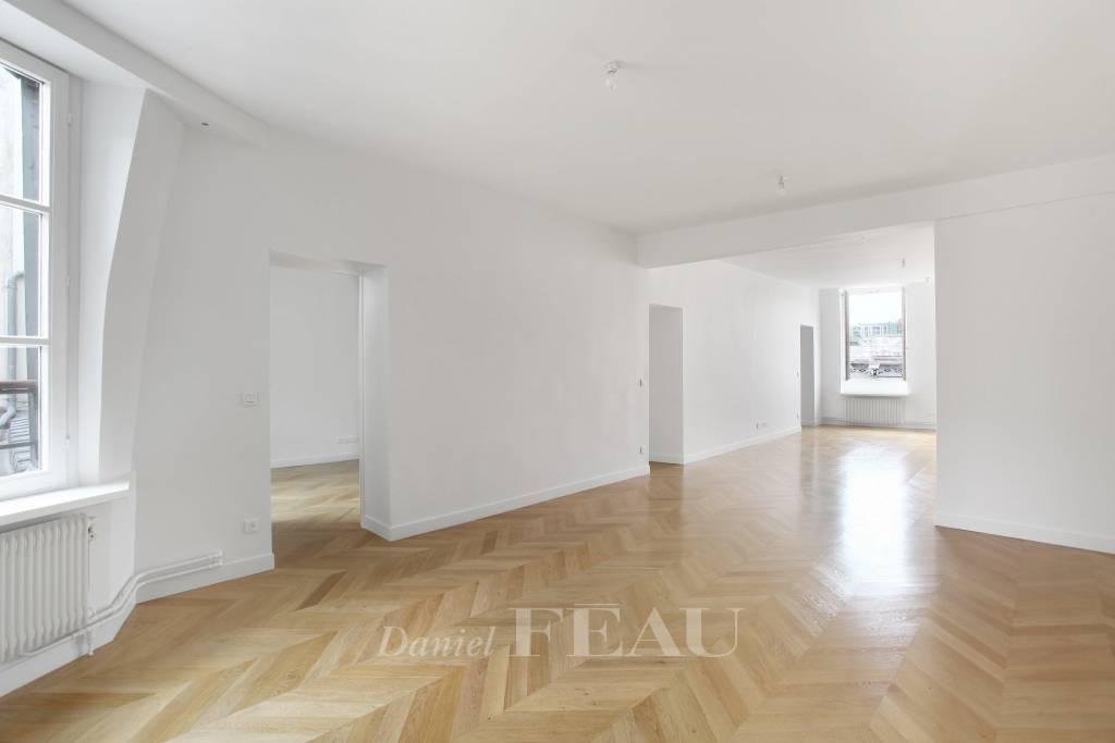 Rental Apartment Paris 4th Saint-Gervais