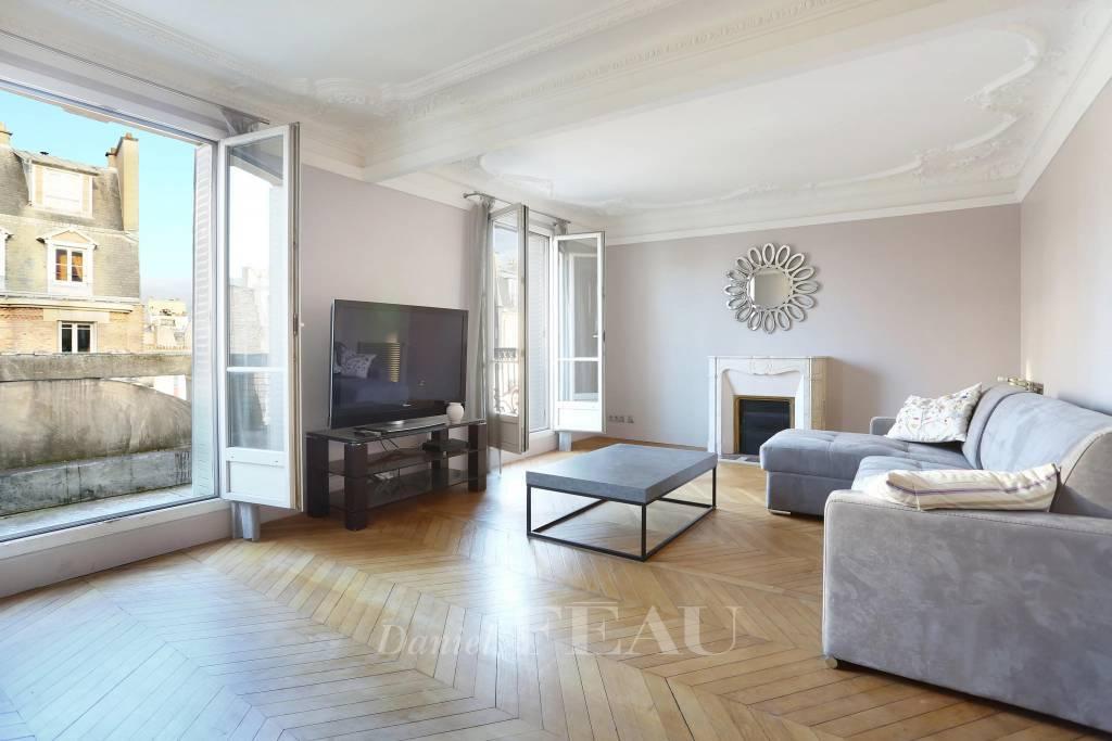 Paris XVe - Convention - Appartement en étage élevé