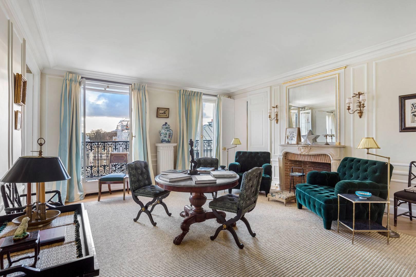 The former flat of Inès de la Fressange is for sale