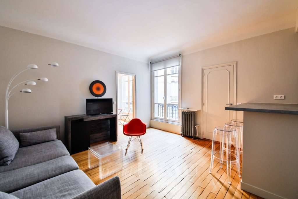 Paris 8th District – A charming furnished two-room apartment