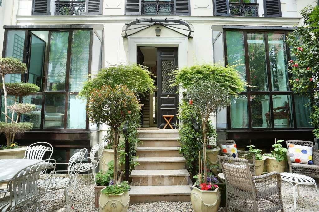 Paris XVIe - Maison dans une voie privée