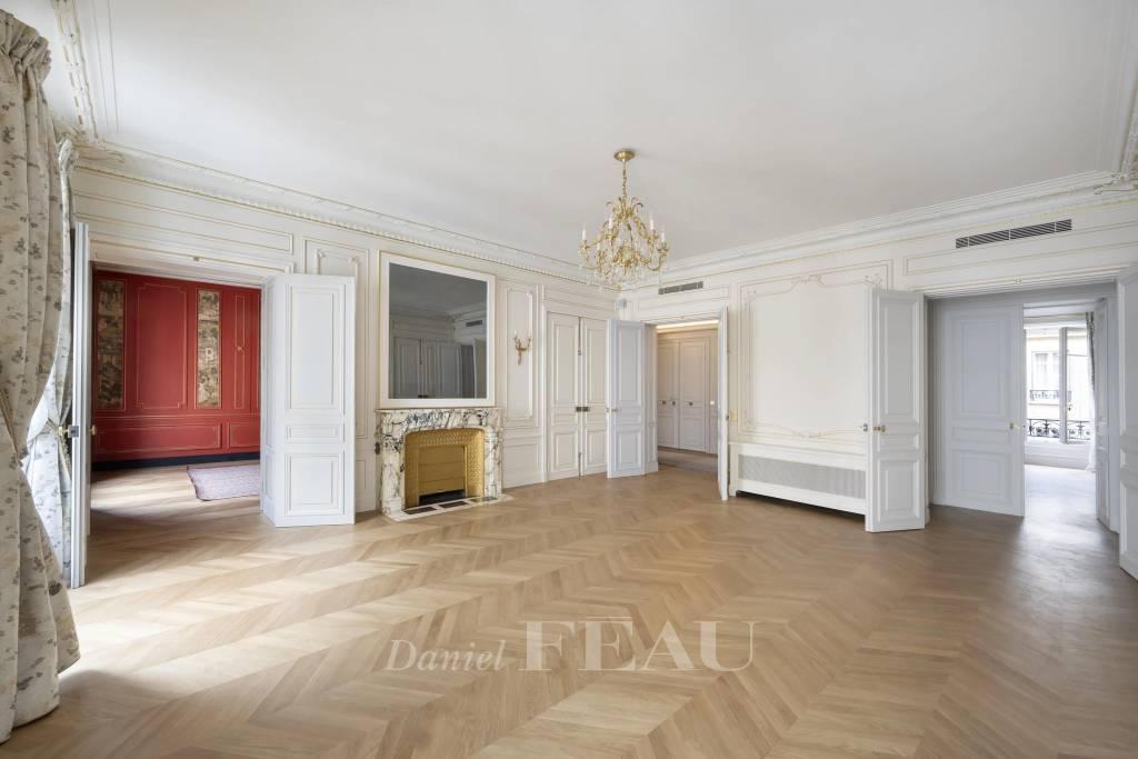 Paris 8th District – A sumptuous apartment in a prime location