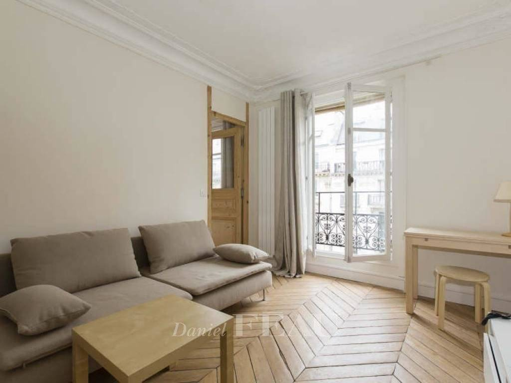 Paris 6th District – A furnished 2-room apartment