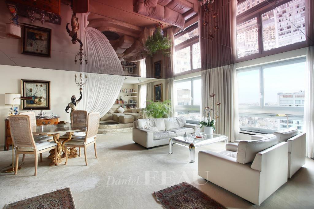 Salon Moquette Hauteur sous plafond