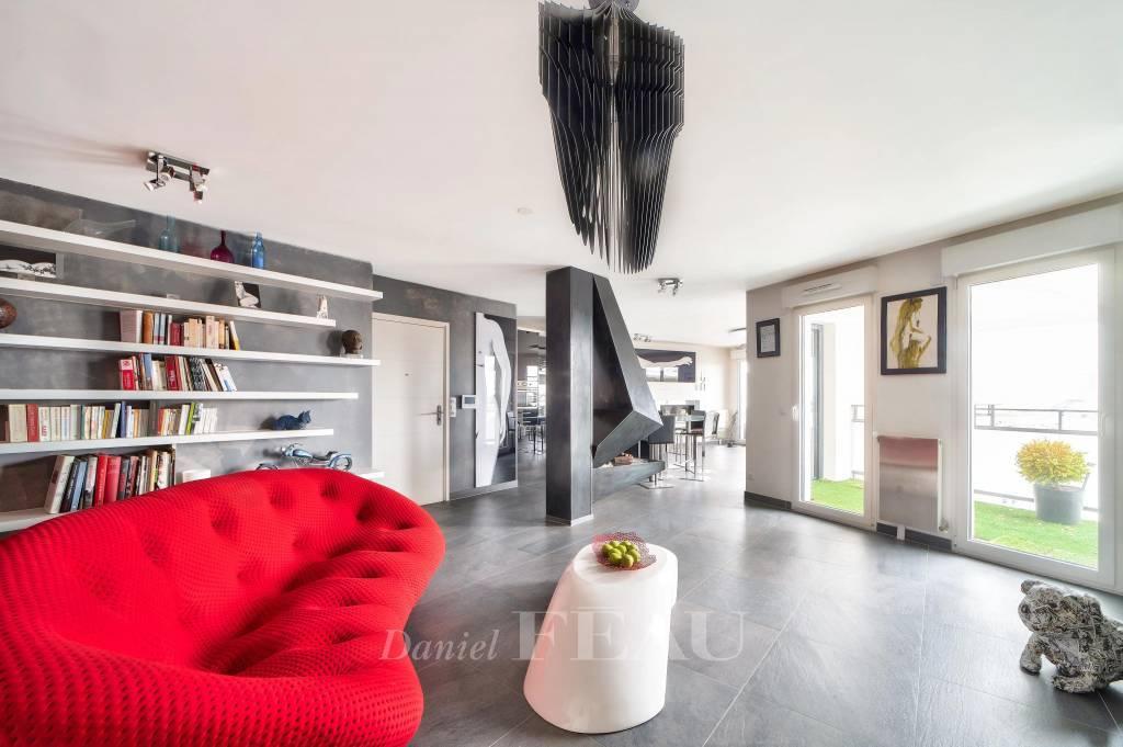 Issy-Les-Moulineaux - 16ème étage - charmant pied-à-terre