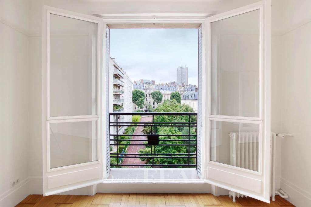 Neuilly-sur-Seine  -  A near 83 sqm apartment