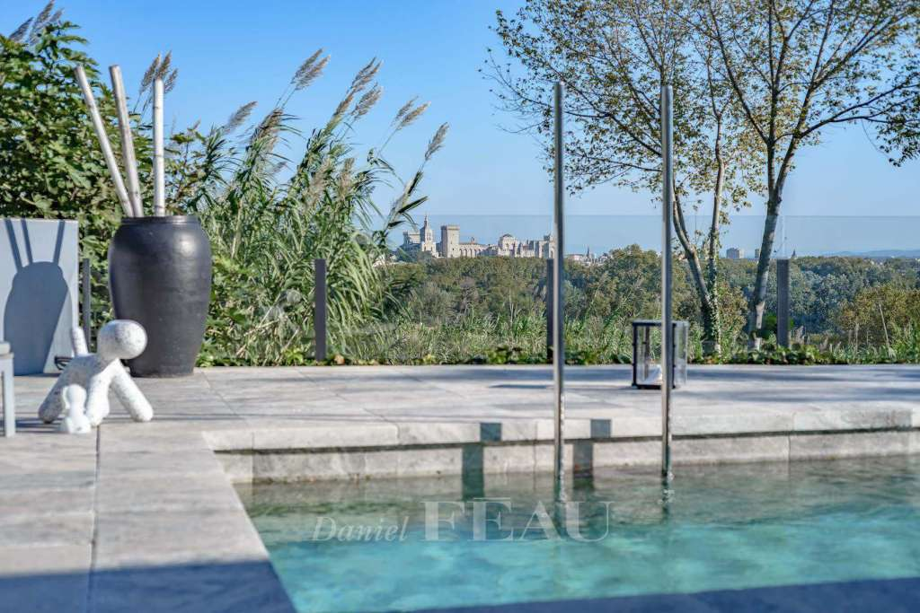 Avignon – A contemporary property