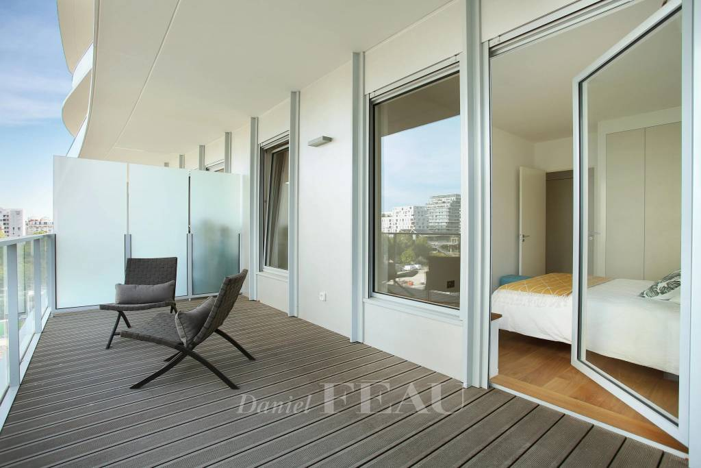 Paris 17th District - A 2-bed apartment with two superb terraces
