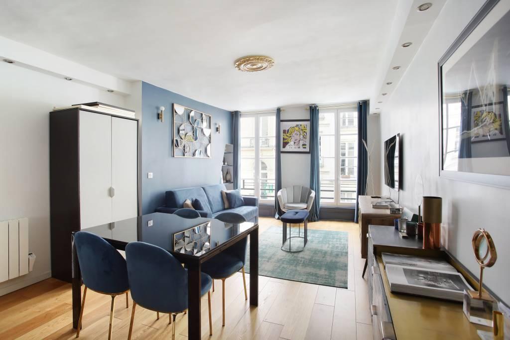Living room/dining room, wooden floor