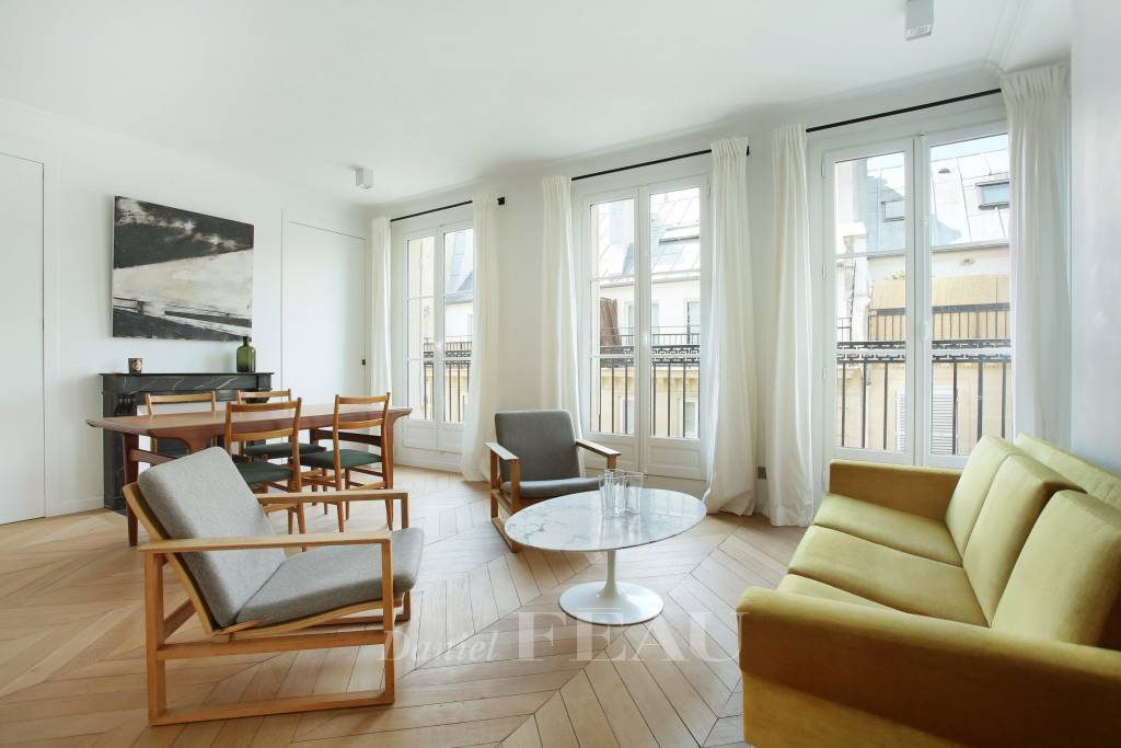 Paris 6th District – A bright one-bed apartment