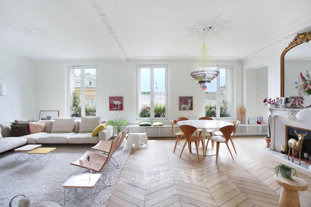 Paris XVIe Auteuil Ancien, charme, soleil, vues dégagées, deux chambres,