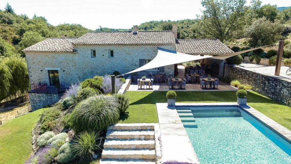 Saignon – A character property commanding an exceptional view